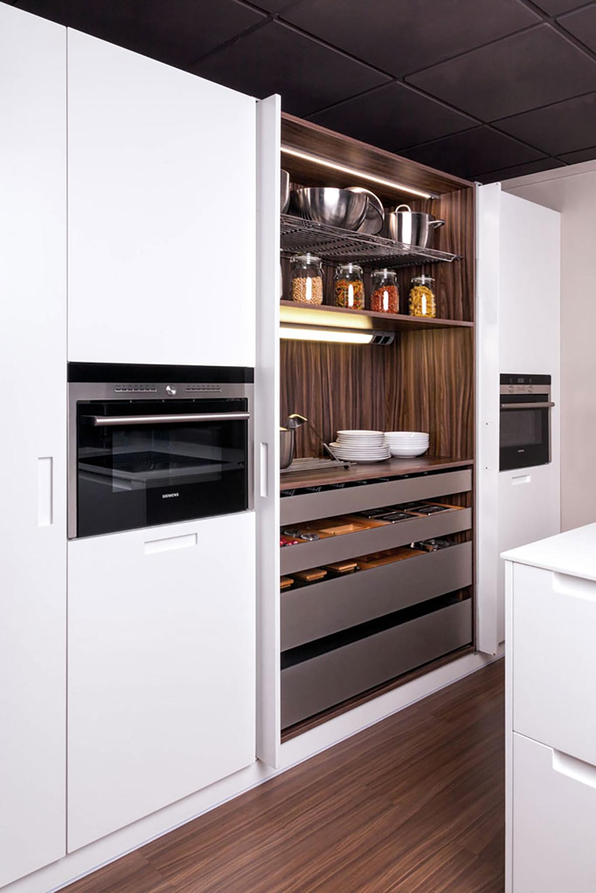 Electrodom sticos en la cocina davinia cocinas y for Electrodomesticos cocinas
