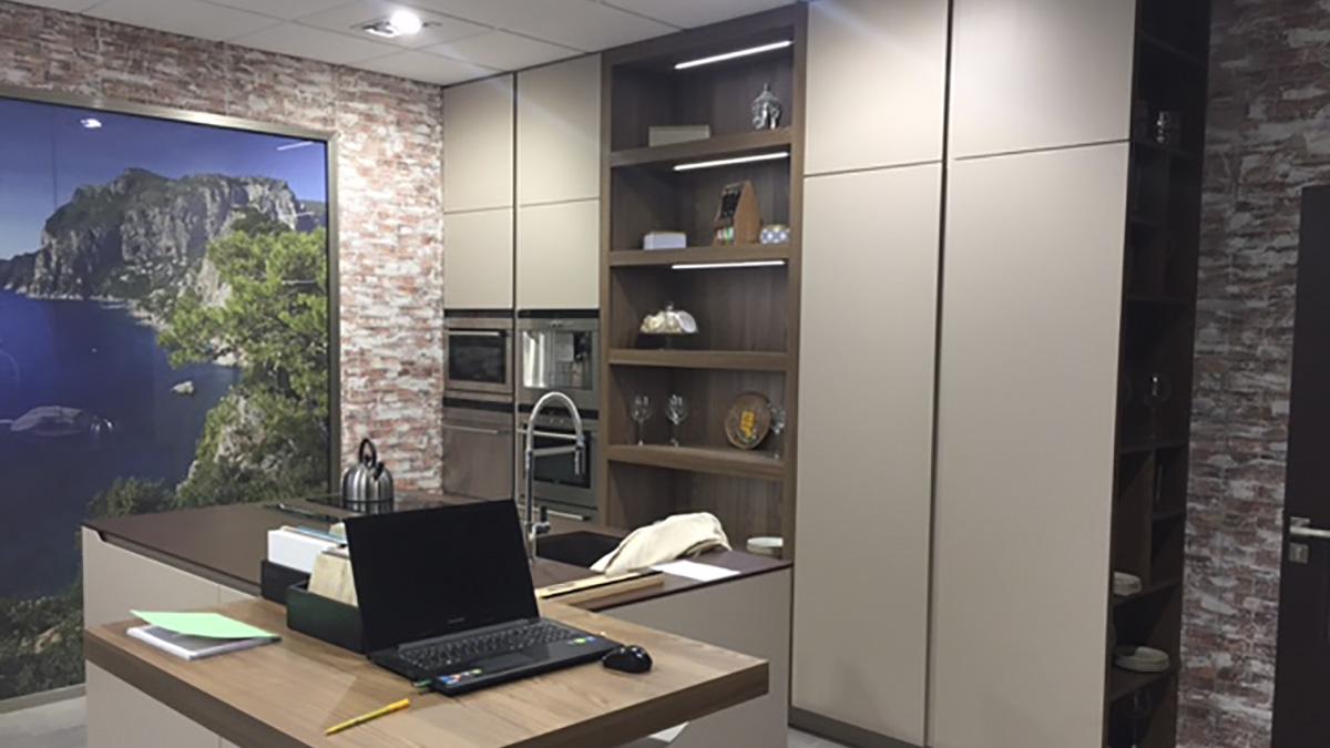 Mobiliario de Cocina con Estanterias Modelo Málaga