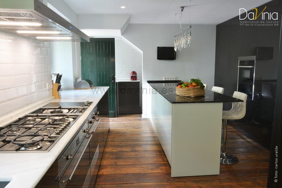cocina de lujo vidrio a medida
