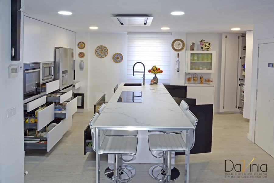 Proyecto de cocina a medida en el noroeste de Madrid