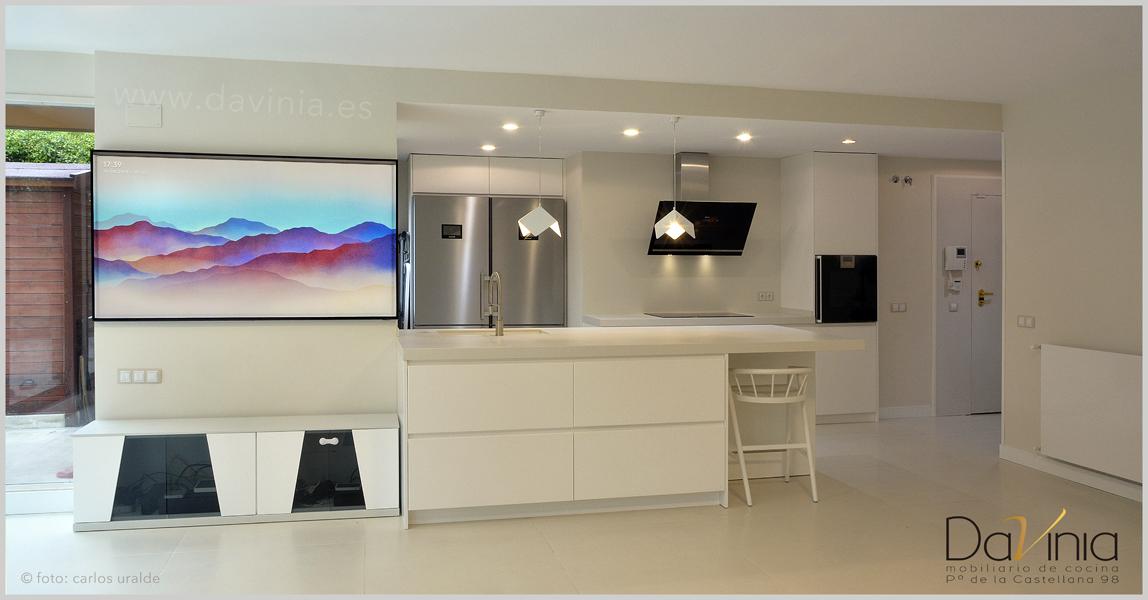 Cocina blanca peninsula11